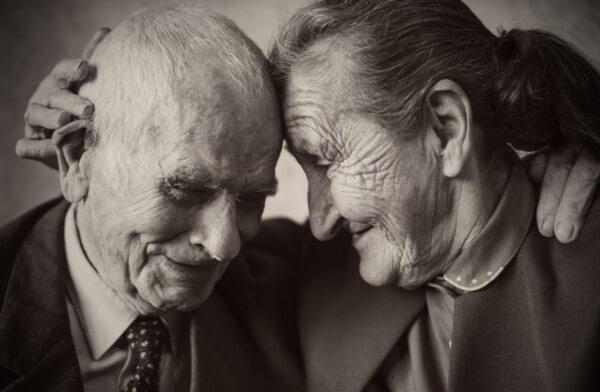 Proč jsou starší lidé šťastnější?